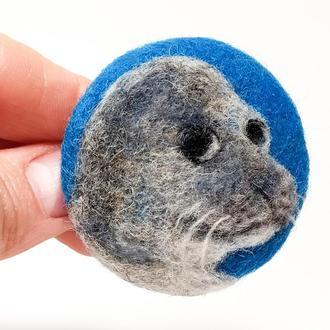 Валяная брошь Тюлень