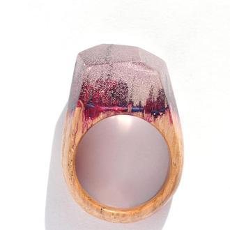 Кольцо из дерева с эпоксидной смолой и люминофором (636)