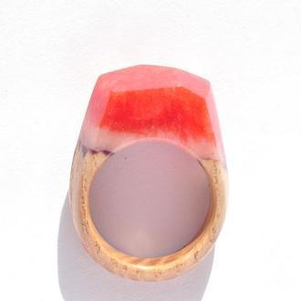 Кольцо из дерева с эпоксидной смолой (640)