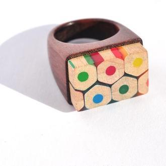 Кольцо из дерева и карандашей (645)