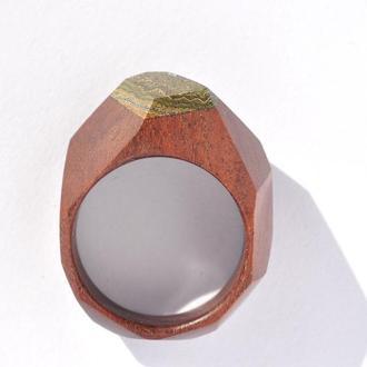 Кольцо из дерева с натуральным камнем (648)