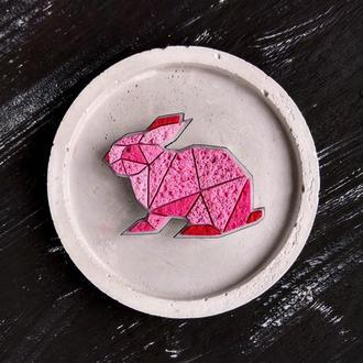 Брошь розовый Кролик. Украшение геометрический Зайчик. Авторская полигональная брошь милый Кролик