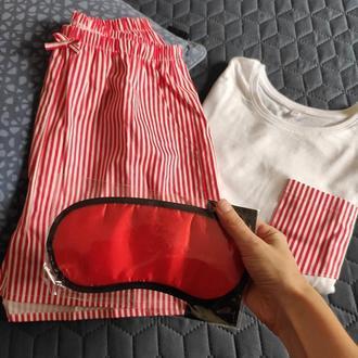 Піжама жіноча з трикотажної футболки та шорти з кишенями в червону смужку