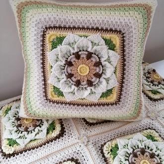 Квадратная вязаная диванная подушка