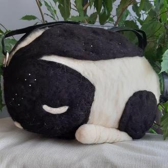 Сумка черно-белая «Кролик» из шерсти