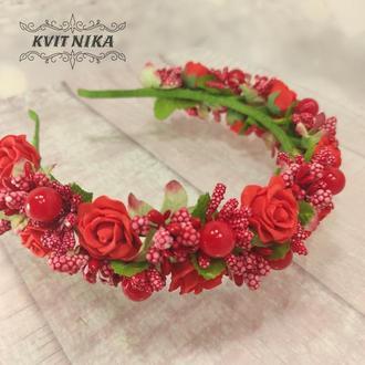 Веночек с красными розами в украинском стиле под вышиванку