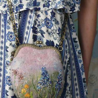 """Валяная сумочка с обильным декором """" Луговые травы """""""