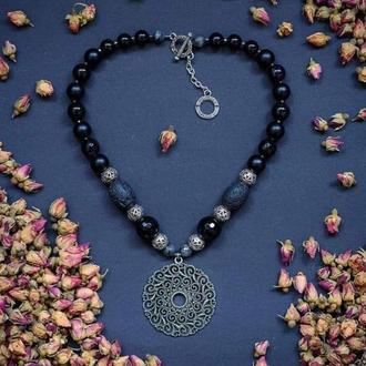 """Дизайнерское ожерелье с натуральными камнями и ажурным подвесом """" Magic Flower""""🖤💮"""