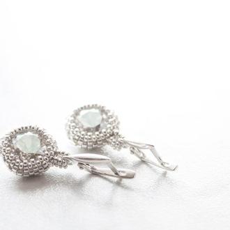 Cеребряные серьги с кристаллами Swarovski и ювелирным бисером