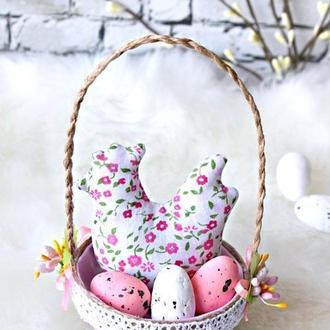 Пасхальна курочка тильда в кошику, Пасхальний декор, Великодній кошик сувенір