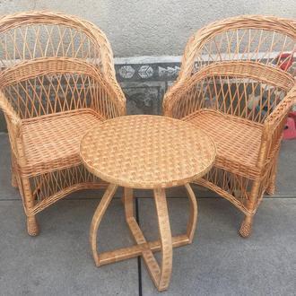 """2 кресла """"Обычные"""" + столик с изогнутыми ножками"""