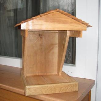Кормушка для птиц со стеклом