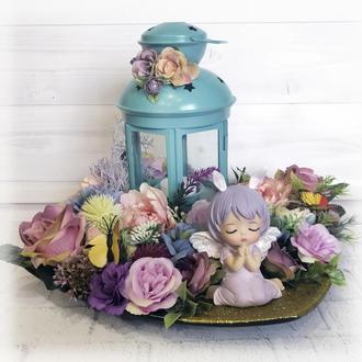 Пасхальный подсвечник (свеча) с фонарем Весенний ангел Настольная композиция с цветами