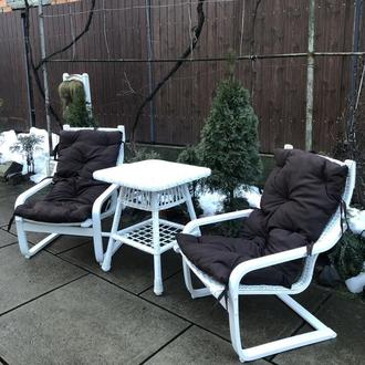 """2 кресла """"Амортизатор"""" №2, белые с коричневыми подушками"""