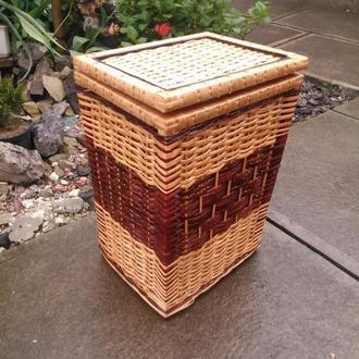 Ящик квадратный маленький с темной серединой