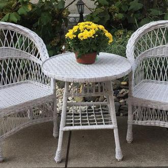 """2 кресла """"Обычные"""" и круглый стол белые"""