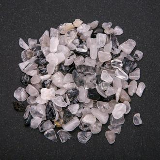 Натуральный камень крошка Кварц волосатик Чёрно-прозрачный скол +-7 мм (10 грамм). Камінь крихта натуральний