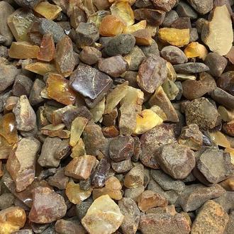Натуральный янтарь крошка необработанный скол 10-25 мм (10 грамм). Бурштин