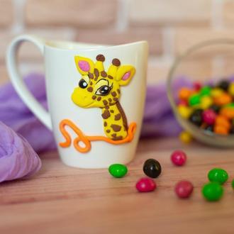 Чашка с декором из полимерной глины. Чашка с жирафом