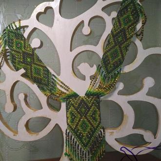 Зеленый гердан в этно стиле