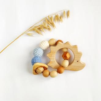 Грызунок -прорезыватель для новорожденного мальчика, подарок на выписку