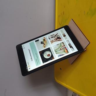Подставка под планшет или телефон