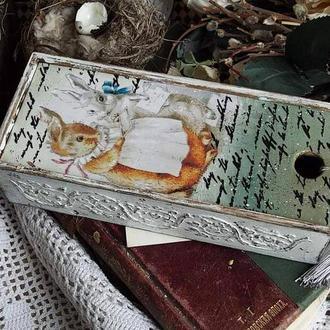 шкатулка пенал в винтажном стиле с кроликами