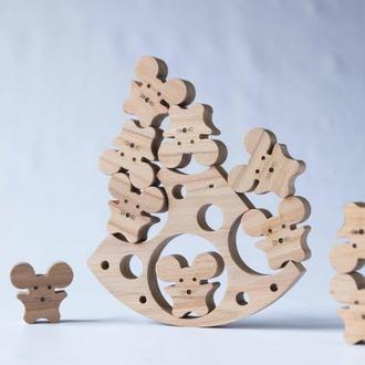 Деревянная игрушка-балансир