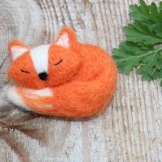 Брошь рыжая лиса из шерсти
