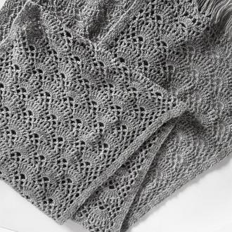 Серый ажурный длинный широкий  вязаный шарф