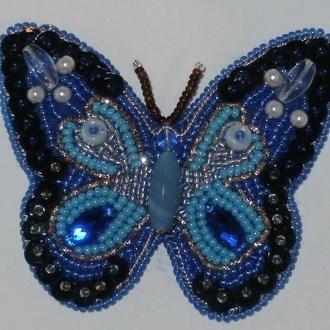 Подвеска-бабочка. Бисер, вышивка.