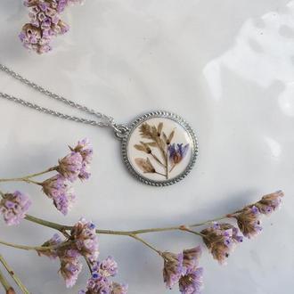 Ніжний кулон з польовими квітами