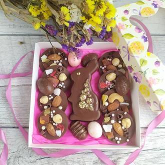 Пасхальный набор из шоколада, зайка, церковь, цукаты, орехи