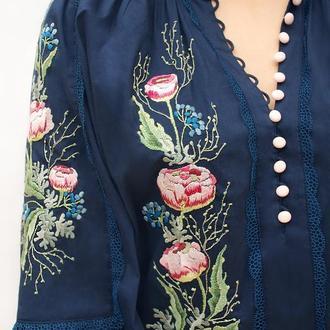 """Блуза с ручной вышивкой """"Кружевные цветы 2"""" нарядная блуза"""