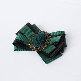 """Брошь """"Королевский зеленый"""""""