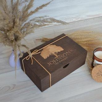Дерев'яна коробка сімейних спогадів подарунок батькам на річницю весілля memorybox Family box