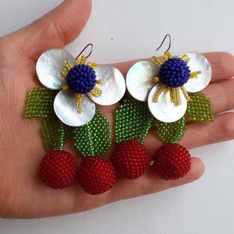 Великі сережки вишні з квітами та ягодами. Сережки вишеньки з бісеру