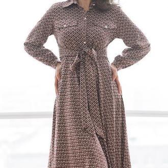 Бордовое платье миди в ромбик с воротничком
