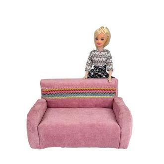 Розовый диванчик для кукол