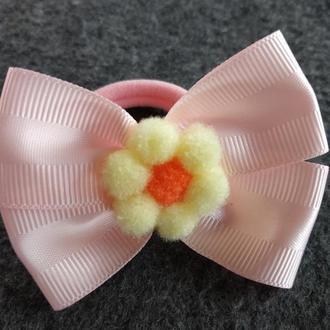 Резинка бант розовый с цветком