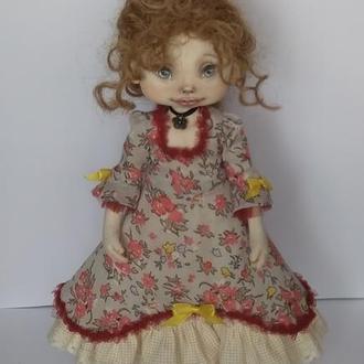 Інтер'єрна текстильна лялька