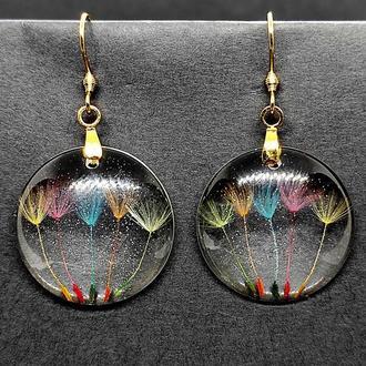 Унікальні сережки зі смоли з натуральними кульбабами