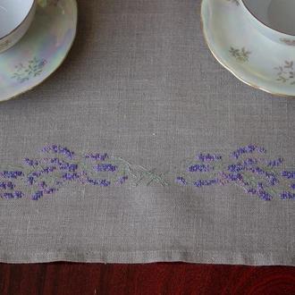Кухонное полотенце или мини-скатерть с ручной вышивкой