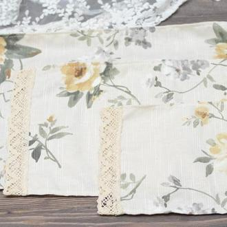 Салфетка на корзину с кружевом 23*47см. желтые цветы