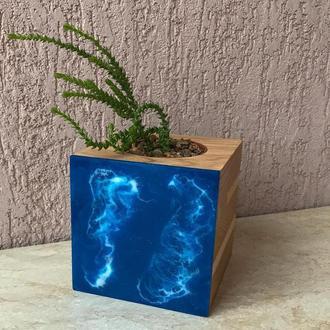 Кашпо из дерева и эпоксидной смолы (море)