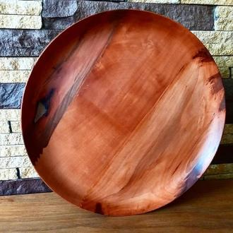 Деревянная тарелка на подставке с крутящим механизмом
