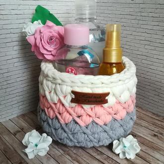 Красивая корзинка из трикотажной пряжи ручной работы