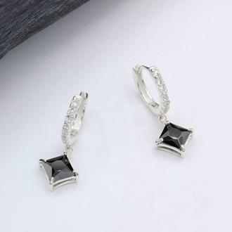 Серебряные серьги Сириус с черным камнем