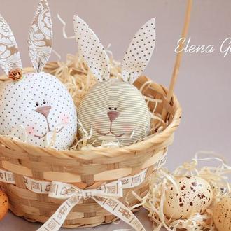 Пасхальные зайцы-яйца