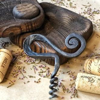 Кований штопор для вина в дерев'яному кейсі сосна. Подарунок для любителів вина, виннй аксесуар